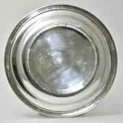 A 36 - Plat en métal argenté
