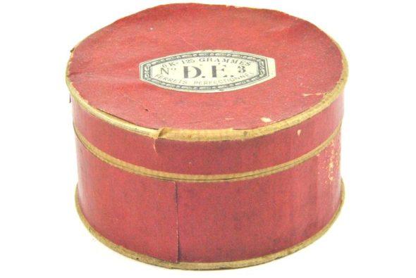 MER 01 – Boite en carton 1900