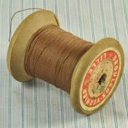 MER 217 - Bobine de fil de lin   8,00 €