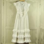 L 392 - Robe de  jeune-fille
