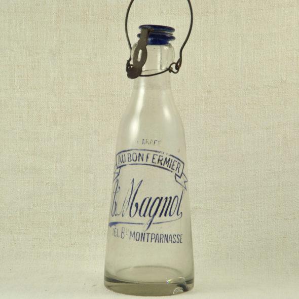 V 505 – Carafe à lait 1900