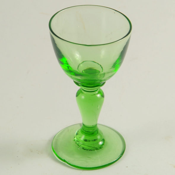 V 743 – Verre  liqueur