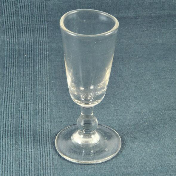 V 880 – Verre à alcool XIXe