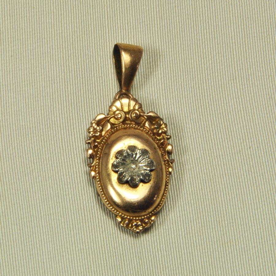 pendentif 1900