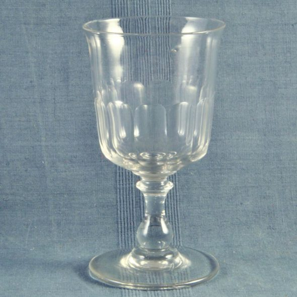 V 983 -Grand verre en cristal XIXe