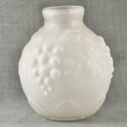 D 687 - Vase 1930