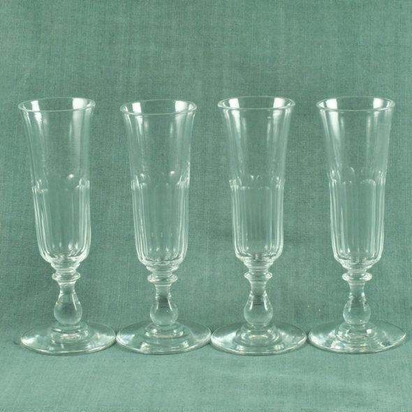4 Grandes flutes XIXe en cristal – V 1102