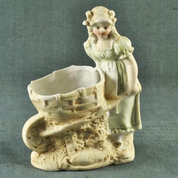 Figurine en biscuit 1900 – D 858