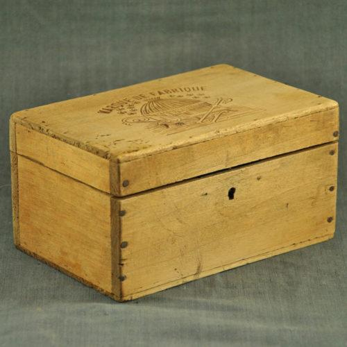 Coffret en bois 1930 D-1030a